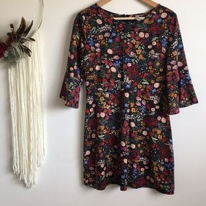 ☀️Floral bell sleeved dress